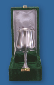 Velvet box for silver tankards