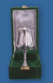 Velvet box for silver tankards