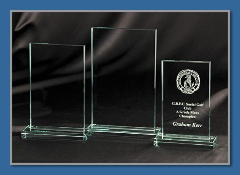 Economy glass trophy 5